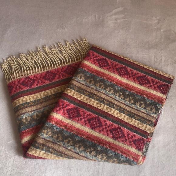 Reversible scarf shawl